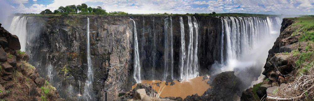 idealne-miejsce-na-safari-roznorodnosc-krajobrazow-i-bogaty-swiat-zwierzecy-poznaj-to-wszystko-podczas-wycieczki-do-zimbabw-z-biurem-podrozy-logostour